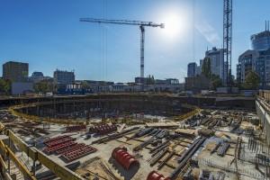 Najnowsze zdjęcia z budowy Mennica Legacy Tower. To projekt Goettsch Partners