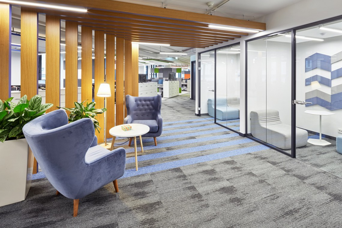 Gabinety czy open space? Nowe biuro SeaChange w Astorii