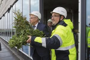 Najnowocześniejszy biurowiec w Bydgoszczy z wiechą