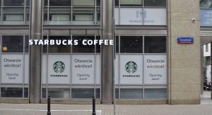 Starbucks otworzył nową kawiarnię w Warszawie. Zaskoczyła wystrojem