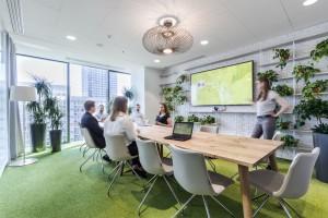Zobacz najnowsze biuro OLX w Q22. Design zachwyca
