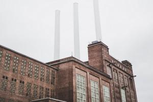 Graficzne interpretacje dzieł Kafki w postindustrialnych wnętrzach