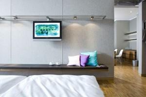 Filc, beton, drewno i szkło. Oto przepis Andreasa Deilmanna na hotel w starym browarze