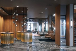 Hotel Deo to bursztyn, złote monety i technika Sgraffito
