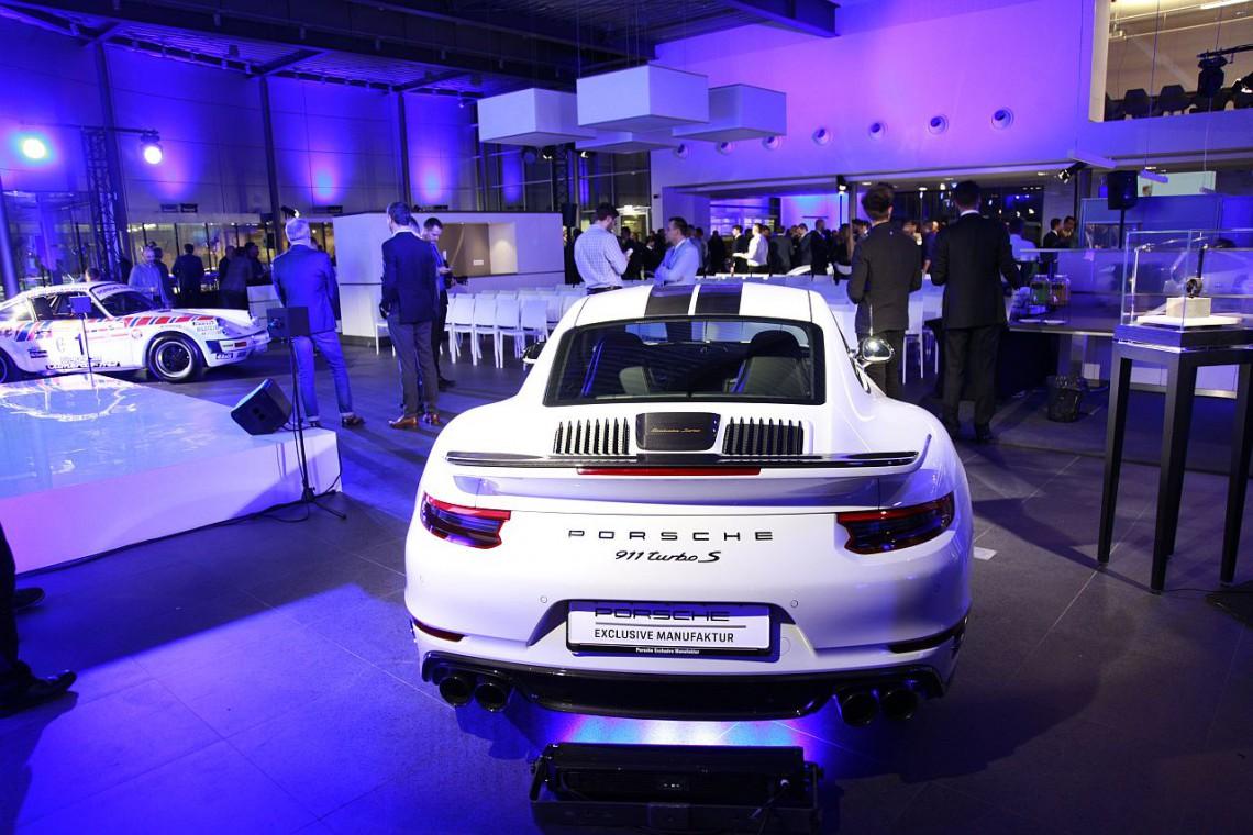 Nowy salon Porsche Centrum Warszawa Okęcie otwarty. Jest ekskluzywnie i prestiżowo