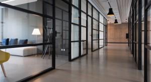 Bezpieczny powrót do biur. Jak powinna wyglądać praca w nowej biurowej rzeczywistości?