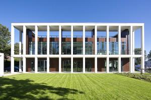 Reprezentacyjny budynek dla polskiego giganta meblowego. Office Inspiration Centre wart nagrody