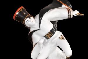 Historyczne figurki ćmielowskie
