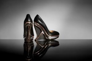 Buty i kopertówka dla Zahy Hadid