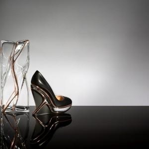TOP: Najlepszy design spod kreski Zaha Hadid, czyli wyjątkowe torebki, stoliki, lampy i biżuteria