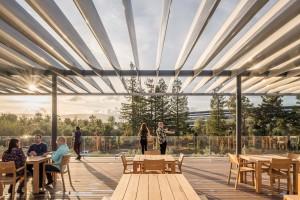 Foster + Partners zaserwował ludziom widok na królestwo Apple