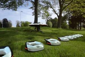 Park miejski przyszłości a nad nim latają... drony