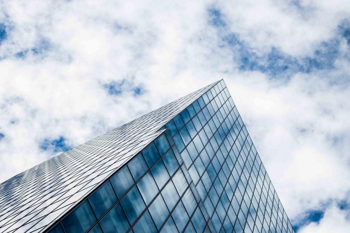 Trendy, które zmieniają rynek pracy i przestrzenie biurowe