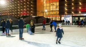 To już tradycja. Ruszyło lodowisko przed Galerią Krakowską