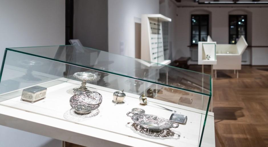 Muzeum Warszawy z nową wystawą. Aranżacja dziełem architekta Macieja Siudy