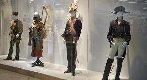 Niezwykła podróż w czasie poprzez epoki. Kolejna wystawa w... centrum handlowym