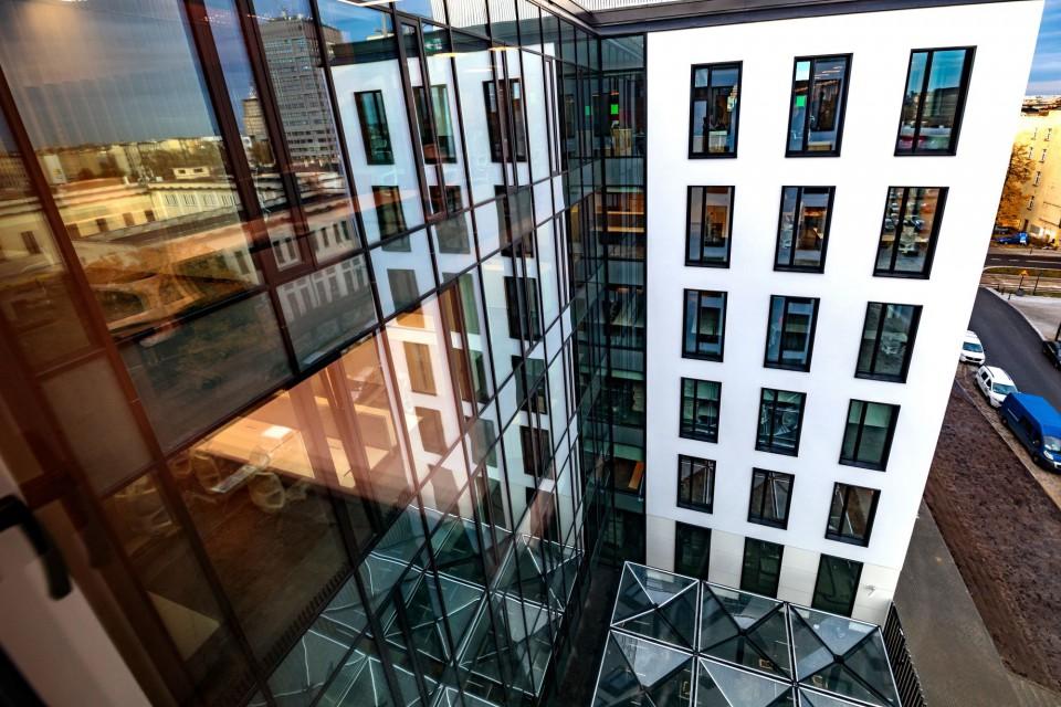 mBank z nową siedzibą w Łodzi. Naszpikowana technologią i stworzona do wspólnej pracy