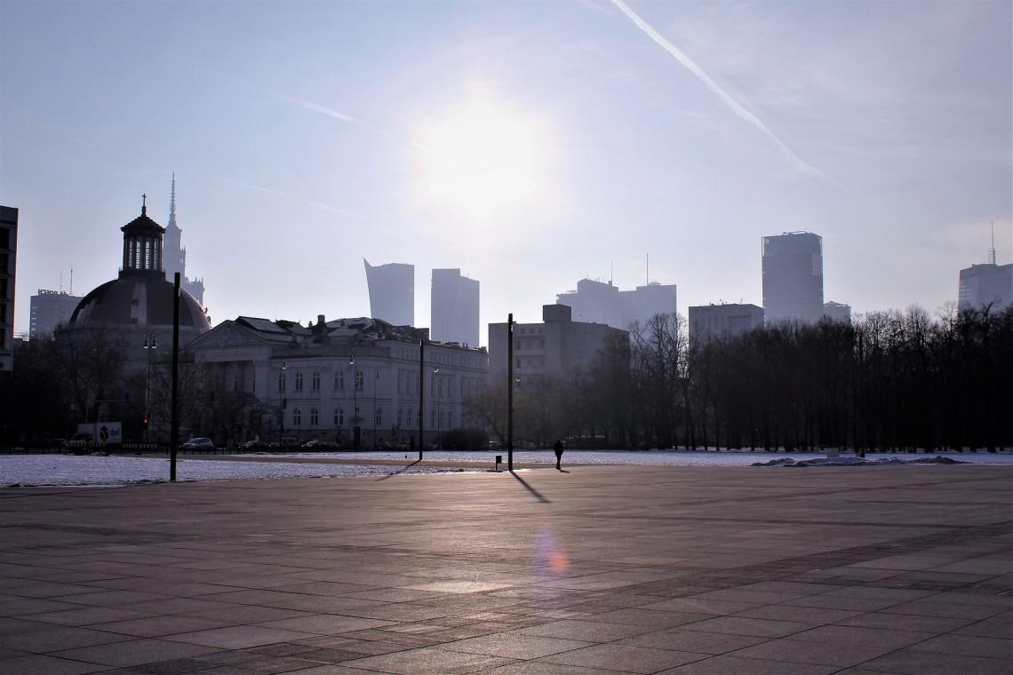 Warszawiacy nie chcą pomników na placu Piłsudskiego