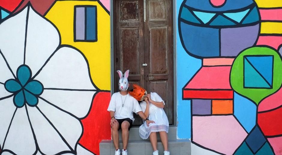 Wiejska galeria sztuki ulicznej na... stodołach