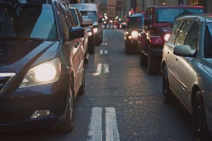Singapur: Elektryczne pojazdy Tesli to styl życia, nie ratunek dla klimatu