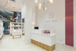 Lekki, kobiecy i elegancki. Oto najnowszy butik Ania Kruk