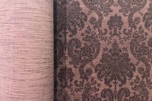 Winylowe tapety niczym te tekstylne, miedziane nadruki i filc wełniany. Muraspec zaskoczył