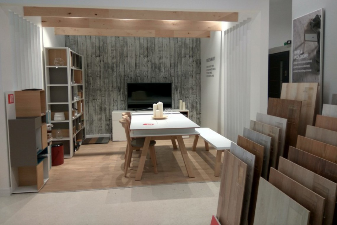 Przestrzeń dla relaksu i strefa projektanta w nowym salonie marki VOX