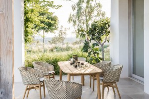 Meble outdoorowe nie tylko do kawiarnianych ogródków