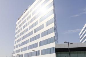 """Pierwszy budynek w Polsce z podwójną """"platyną"""". To projekt Pentagram Architekci"""