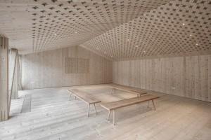 Szkoła gotowania cała... z drewna. To projekt Pedevilla Architects