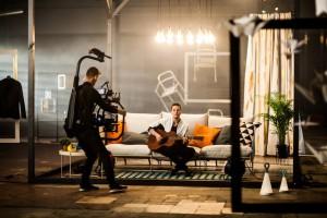 Ikea artystycznie promuje letnią kolekcję