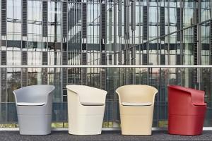 Fotele Tulli szkicu Tomka Rygalika na wystawie polskich wynalazków w Genewie