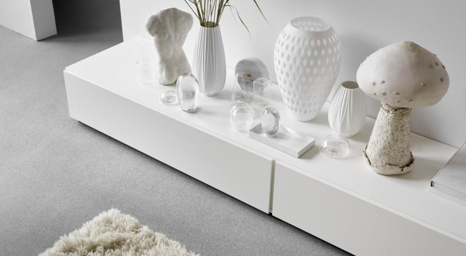 Trendy we wnętrzach: białe meble w roli głównej