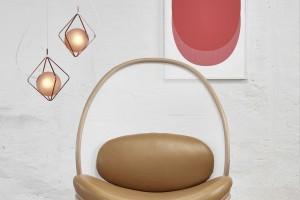 Fotel w kształcie ziemniaczanego czipsa i nowe stoły. Ton zaskoczył w Mediolanie