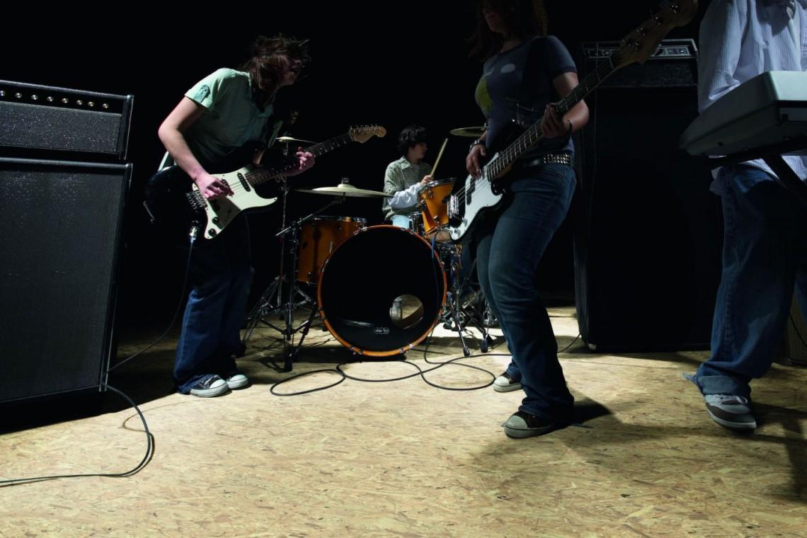 Przebojowa podłoga z rockową nutą