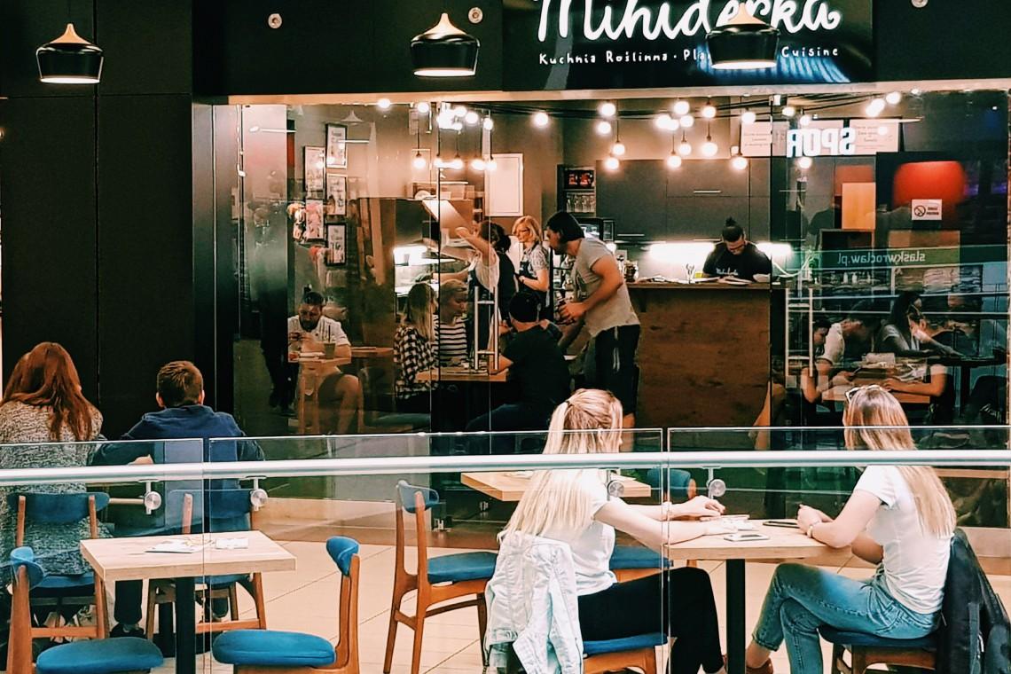 Arkady Wrocławskie z restauracją w stylu lat 60-tych