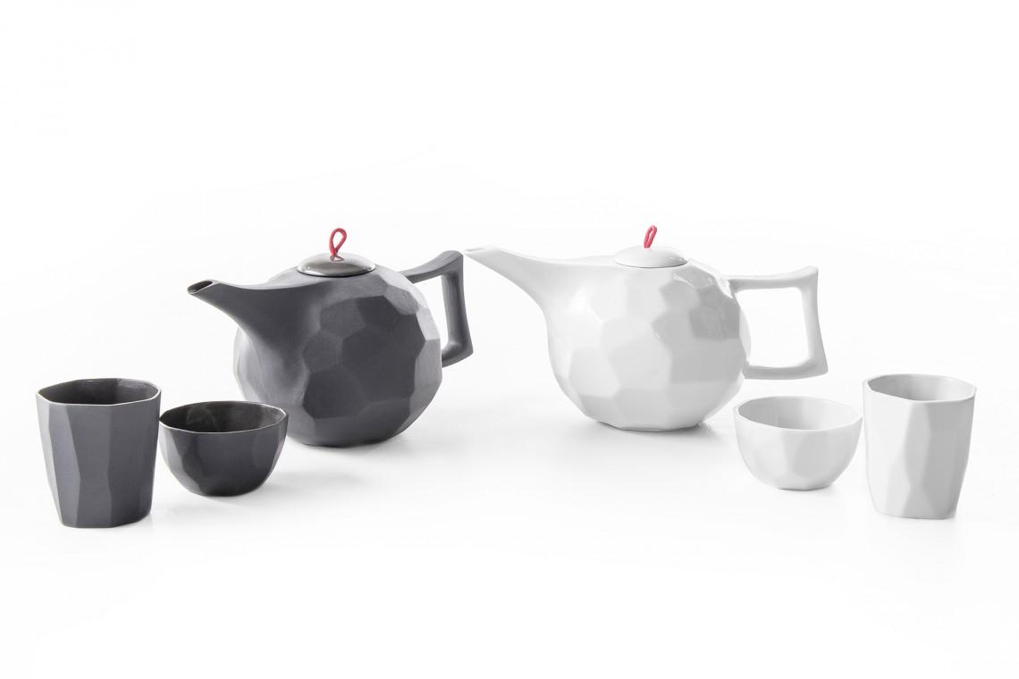 Porcelana z humorem od Ćmielów Design Studio