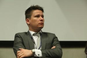 EEC: Chaos, dezinformacja i natłok reklam. Przestrzeń publiczna w Polsce daleka od ideału