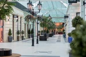Tradycyjne praskie ulice z wyjątkowymi wnętrzami. Największe centrum outlet w Czechach już otwarte