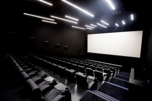 Jedyne takie kino w Polsce? Tu można oglądać filmy w pozycji… półleżącej