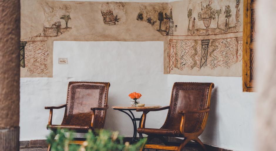 Meble z XIX-wiecznych sypialni do zobaczenia we Wrocławiu