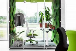 Dźwięki i cisza w biurze. Boksy akustyczne to idealne rozwiązanie?