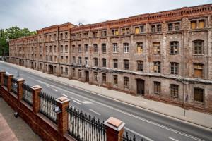 Zabytkowy dom robotniczy Izraela Poznańskiego w Łodzi wraca do żywych