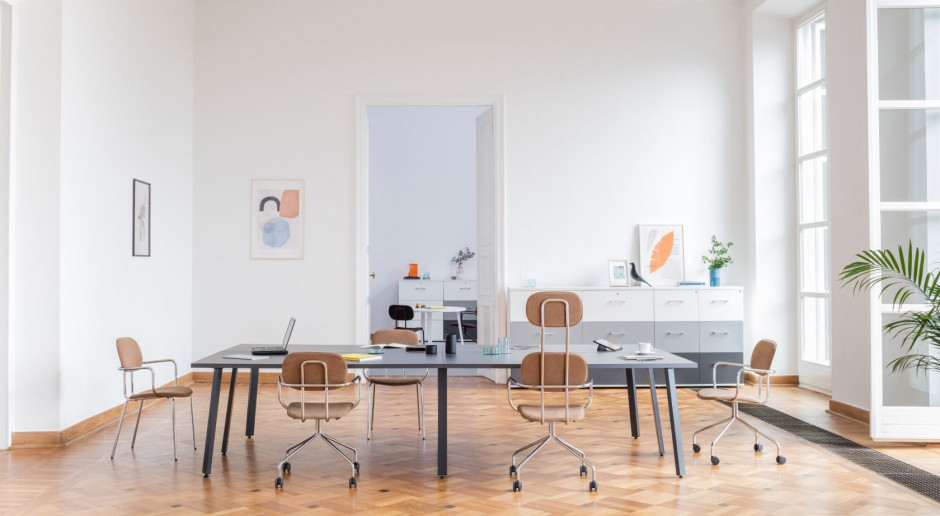 Klasyczne wnętrze i nowoczesne meble