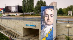 Murale upiększyły warszawskie metro