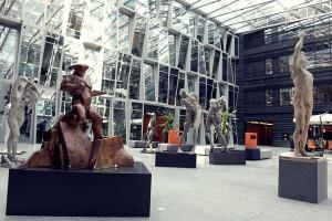Rzeźby studentów wypełniły biurowiec