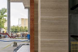 Lobby Mennica Legacy Tower powoli nabiera kształtów