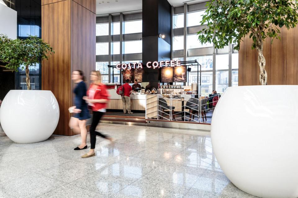 Costa Coffee w Warsaw Trade Tower postawiła na nowy design