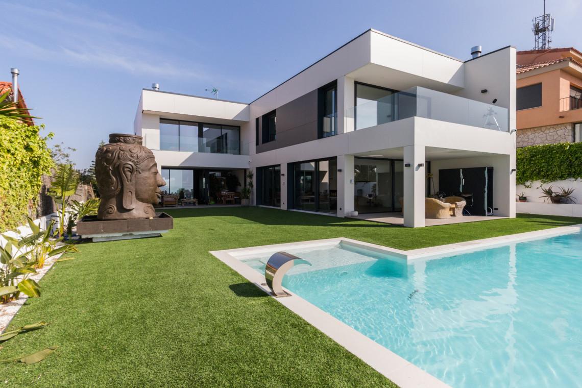Czy wybór wakacyjnej nieruchomości rządzi się innymi prawami niż zakup całorocznego domu?