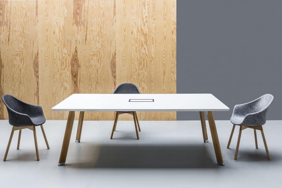 Designerskie meble biurowe od Tomka Rygalika